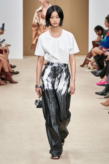 Tod's Spring 2020 Look 32