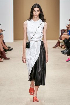 Tod's Spring 2020 Look 6