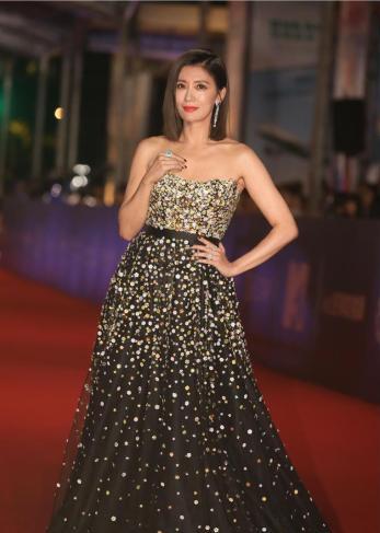 Alyssa Chia in Galia Lahav Fall 2018 Couture-5