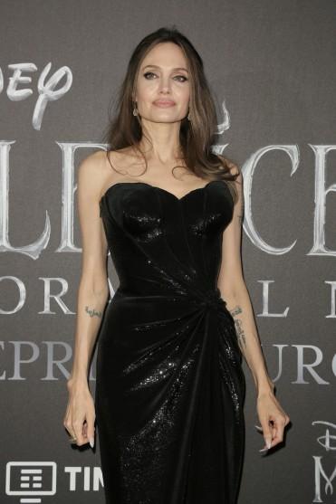 Angelina Jolie in Atelier Versace-4