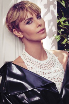 Charlize Theron Glamour Woman of the Year 2019-1