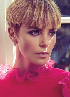 Charlize Theron Glamour Woman of the Year 2019-4