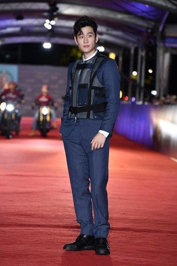 Eric Chou in Dior Men Fall 2019-1