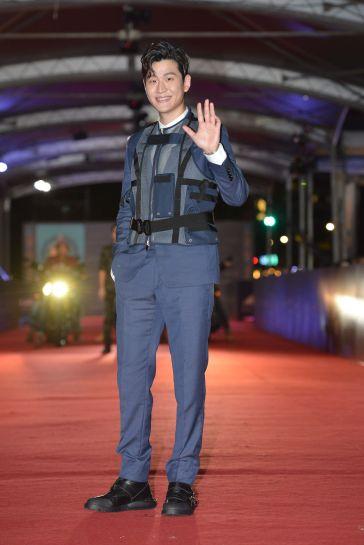 Eric Chou in Dior Men Fall 2019-3