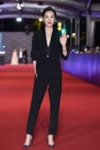 Hsieh Ying-Shiuan in Versace-1