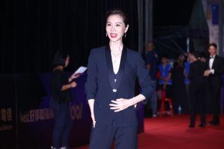 Hsieh Ying-Shiuan in Versace-4