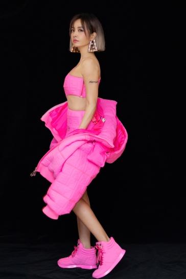 Jolin Tsai in Nicki MinajXFendi-8