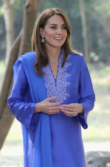Kate Middleton in Maheen Khan-2