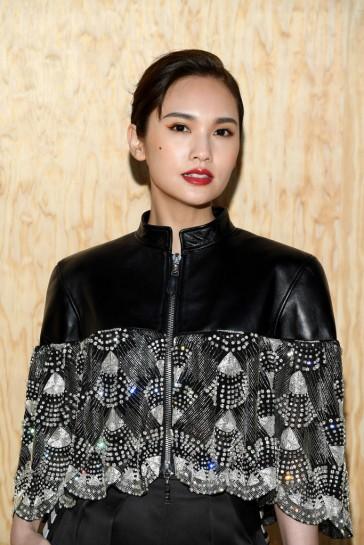 Rainie Yang in Louis Vuitton Resort 2020-1