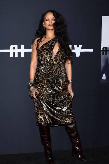 Rihanna in Saint Laurent Spring 2020-12