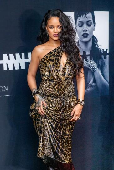 Rihanna in Saint Laurent Spring 2020-3