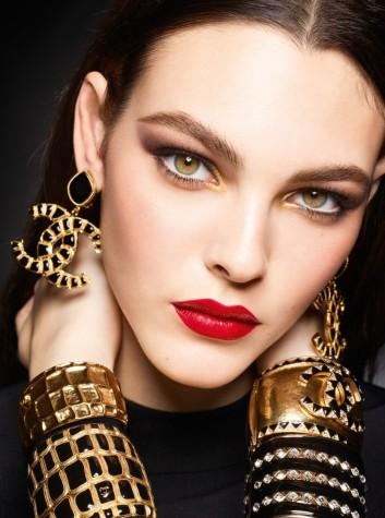 Vittoria Ceretti Chanel Beauty Holiday 2019 Campaign-3