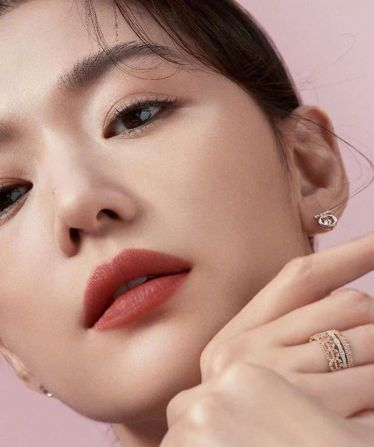 Wang Ji-hyun for Marie Claire Korea November 2019-8