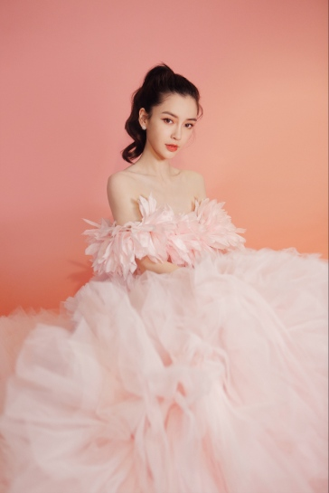 Angelababy in Giambattista Valli Fall 2019 Couture-3