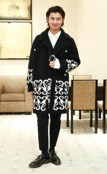 Bo-Lin Chen in Chanel Fall 2019-1