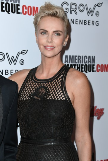 Charlize Theron in Dior-2
