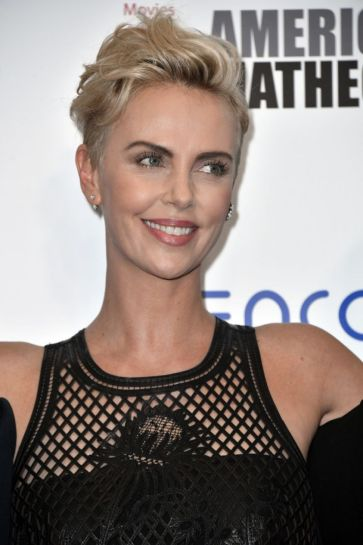 Charlize Theron in Dior-6