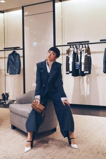 Gwui Lun Mei in Chanel Resort 2020-1