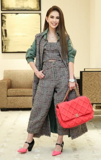 Hannah Quinlivan in Chanel Resort 2020-3