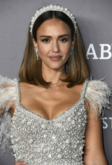 Jessica Alba in Ralph & Russo Fall 2019 Couture-5