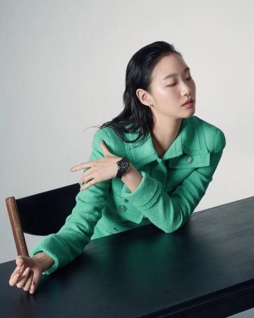 Kim Ko-eun for Harper's Bazaar Korea December 2019-5