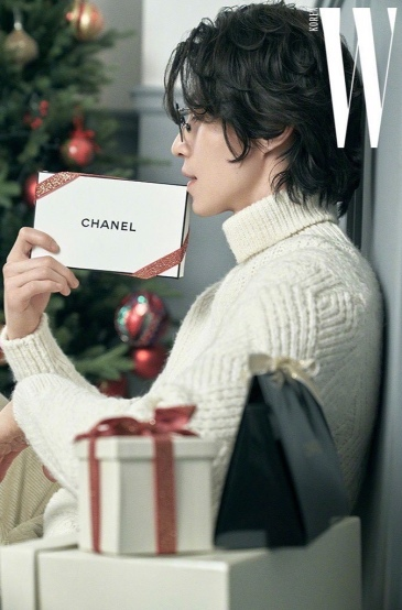 Lee Dong Wook for W Korea December 2019-5