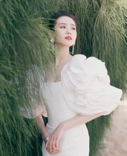 Liu Shishi in Georges Chakra Fall 2019 Couture-3