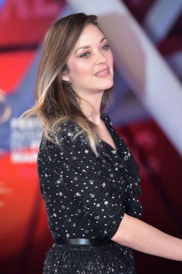 Marion Cotillard in Chanel Spring 2020-5