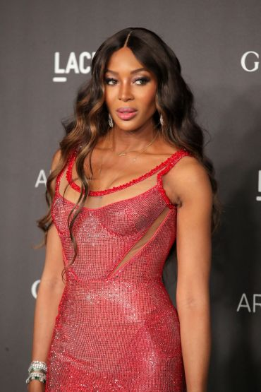 Naomi Campbell in Atelier Versace-4