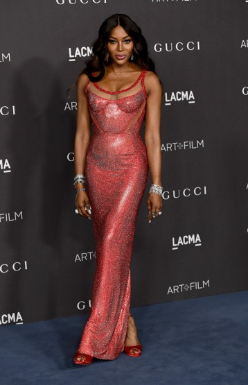 Naomi Campbell in Atelier Versace-5