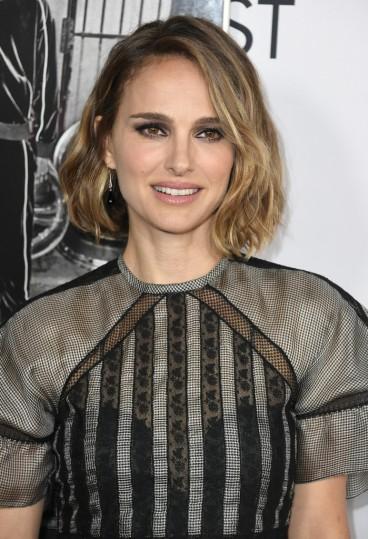Natalie Portman in Dior Spring 2020-7