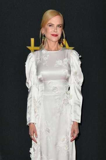 Nicole Kidman in Loewe Spring 2020-6