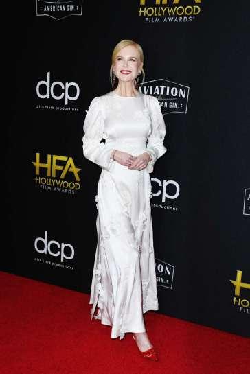 Nicole Kidman in Loewe Spring 2020-7