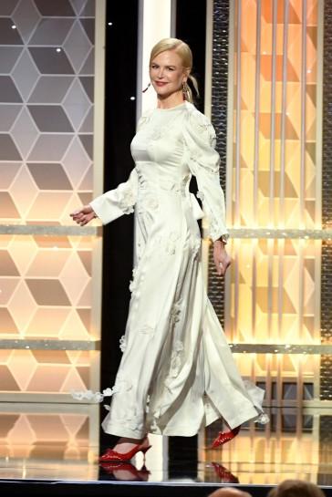 Nicole Kidman in Loewe Spring 2020-8