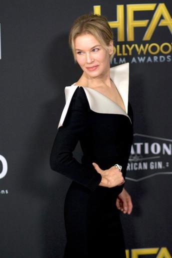 Renee Zellweger in A.W.A.K.E Mode-6