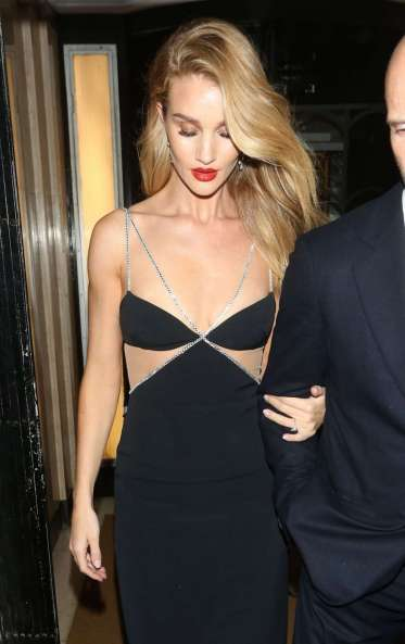 Rosie Huntington-Whiteley in David Koma Resort 2020-7
