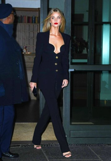 Rosie Huntington-Whiteley in Versace Spring 2020-6