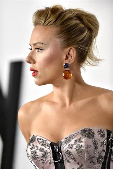 Scarlett Johansson in Louis Vuitton Resort 2020-6