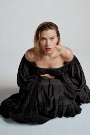 Scarlett Johansson Vanity Fair 2019 Oscar Edition-2