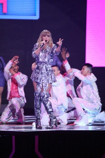 Taylor Swift-13