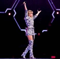 Taylor Swift-9