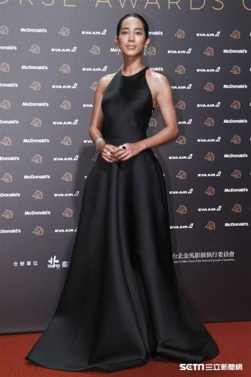Wen Chen-Ling in Jason Wu-5