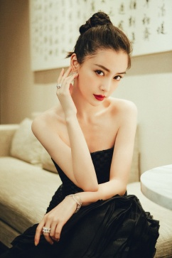 Angelababy in Georges Chakra Fall 2014 Couture-6