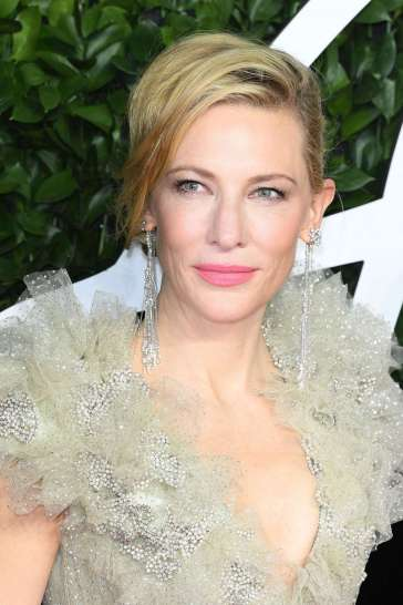Cate Blanchett in Armani Privé Fall 2019 Couture-5