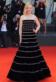 cate-blanchett-on-red-carpet-joker-screening-at-the-76th-venice-film-festival-5