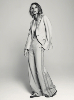 Gisele Bundchen Harper's Bazaar Russia January 2020-10