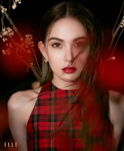 Hannah Quinlivan ELLE Singapore December 2019-4