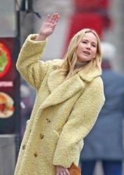 Jennifer Lawrence in Burberry-4