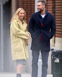 Jennifer Lawrence in Burberry-5