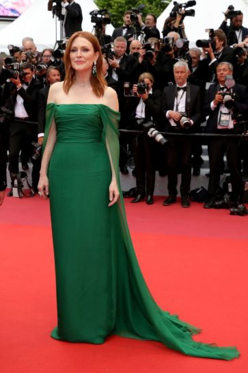 julianne-moore-2019-cannes-film-festival-opening-ceremony-2